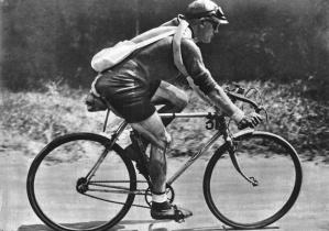 CYCLISME - TOUR DE FRANCE 1929 - 1929dewaele (maurice)VELO (03/2003)fonds n/b ; Miroir des Sports 14/07/1929 p 67n∞493 sport